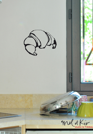 poetic-wall-sticker-croissant