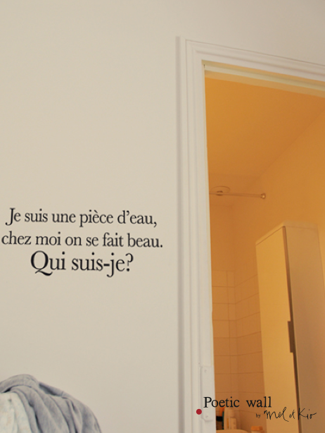sticker-poetic-wall-devinette-salle-de-bain