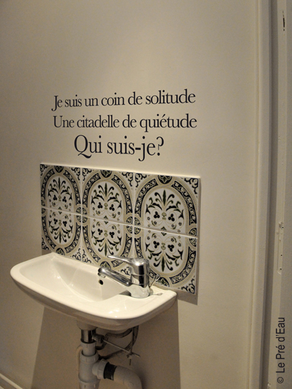 sticker-poetic-wall-devinette-toilette