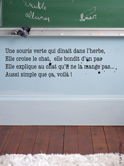 sticker-poetic-wall-une-souris-verte